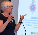 Detective Superintendent Pritchard welcomes delegates to the Summit